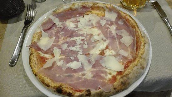 Pizza Emiliana
