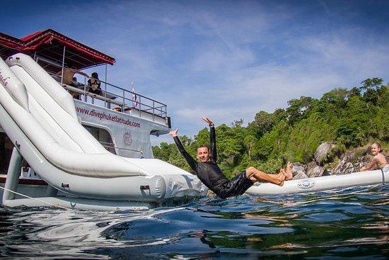 普吉岛的水上运动船游轮可选择潜水
