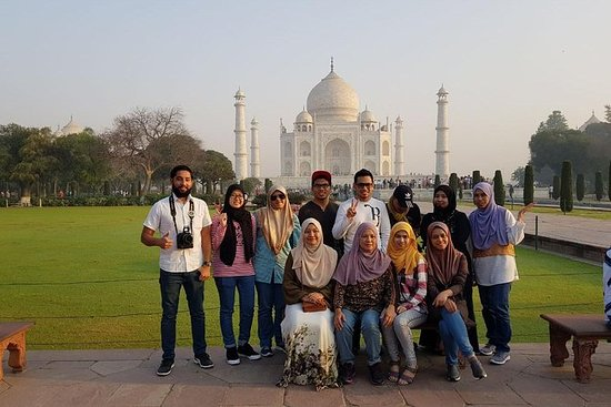Private Day Tour of Taj Mahal and...
