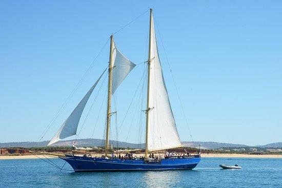 帆船阿尔加维海岸线半日游