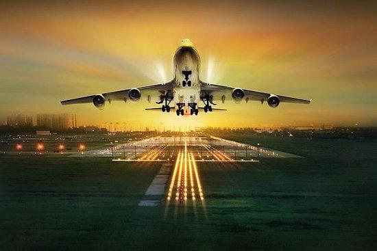 Shared Departure Transfer: Hotel to Freeport Harbours International...