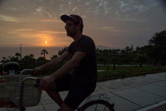 Lima Bike Tour Miraflores - Barranco...