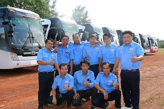 Turistbuss: Vang Vieng til Vientiane