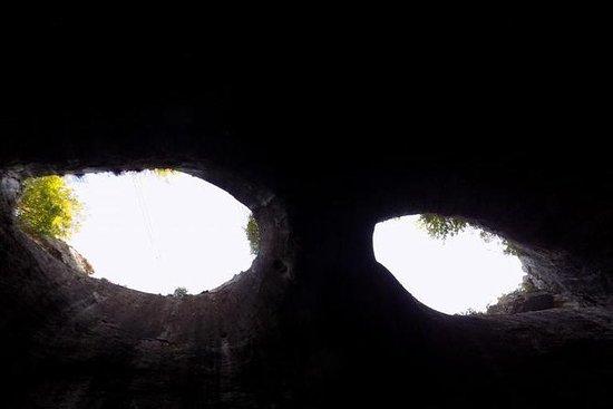 La cueva de los ojos de Dios y las...
