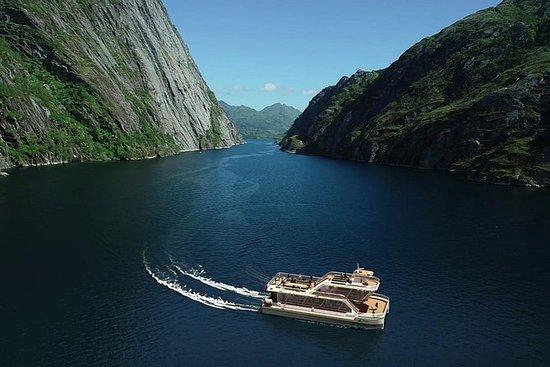 Stille Trollfjord-Kreuzfahrt