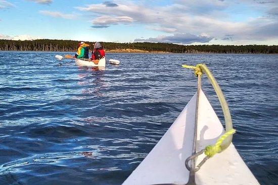Incontro Yamana, canoa sul lago