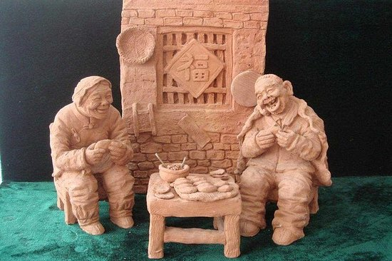 Shijiazhuang - Clay sculpture, old...