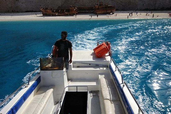 蓝色洞穴和沉船海滩的船票与玻璃底船