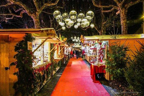 在圣诞节的魔力下,参观佩里戈尔最美丽的法国市场!