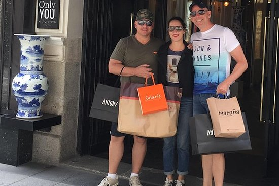 Personalized Shopping Tour in Madrid