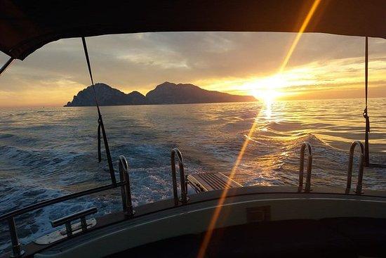 Experiencia Capri Sunset desde Sorrento
