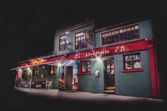 Waterford, Irlande : outside front night side view