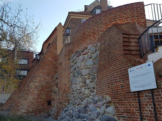 Miejskie mury obronne