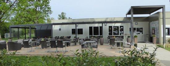 La terrasse du restaurant TeeBar et ClubHouse