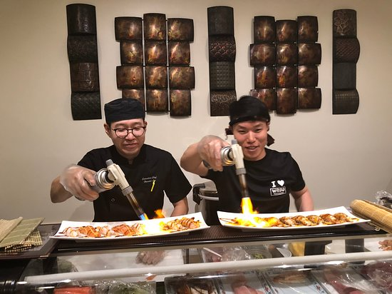 Watchung, NJ: Sushi chefs are real artists