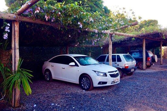 Hotel Pousada Águas de Bonito: Estacionamento interno seguro