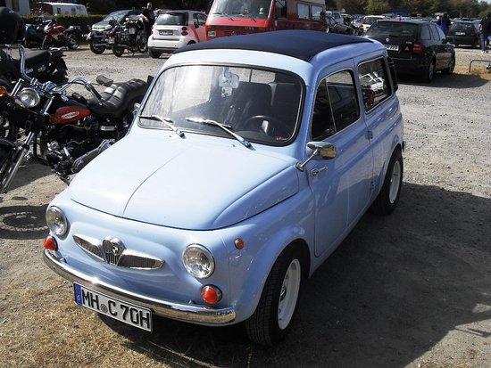 Ein Fiat 500 Kombi Gebaut Bei Steyr Puch In Graz Hatte Einen