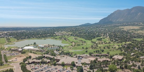 Cheyenne Mountain Resort Colorado Springs, A Dolce Resort: Aerial photo of property facing mountains