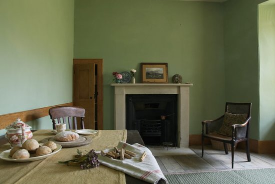 Brighton and Hove, UK: Picture of the housekeeper's room in the basement of 10 Brunswick Square. The cook, housekeeper and butler would have eaten their meals in this room separate from the other servants. Hierarchy was strict within servant ranks.