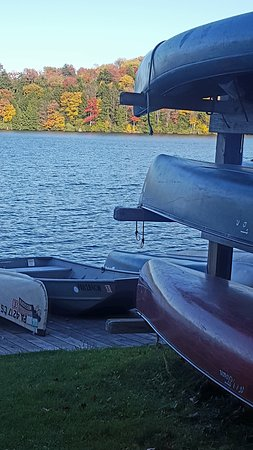 Eagles Mere, PA: Lake view from the boat dock.