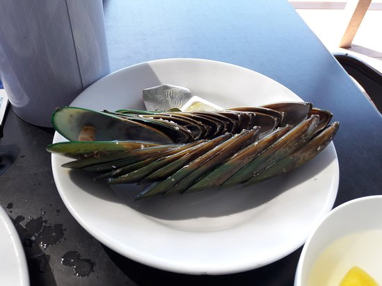 Slip Inn Cafe: How to tidy up your plate after mussels.
