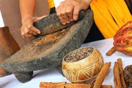 conocer y descubrir el proceso de la preparacion de chocolate artesanal en Tuxtla Chico, chiapas.