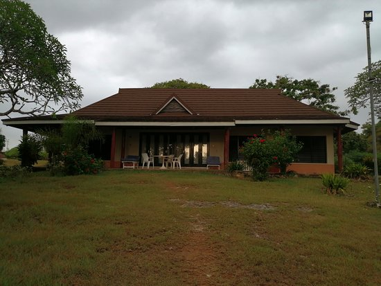 Tiwi, Kenya: 3 br cottages, fully furnished