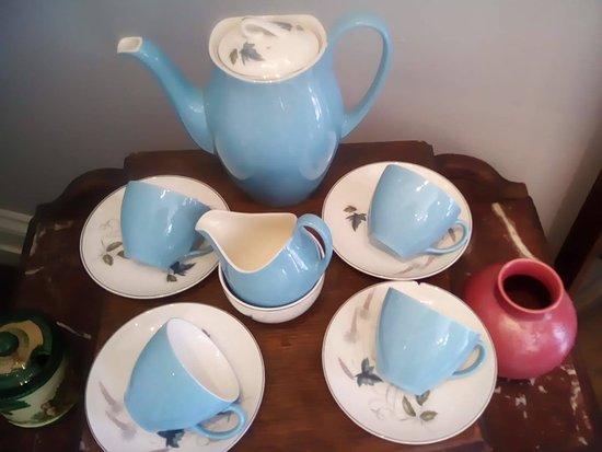 East Cowes, UK : 1950s china coffee set