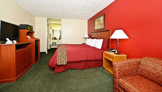 MH MountainView Covington VA Guestroom King