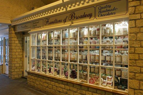 Worcester, UK: Hamiltons Broadway. Old Fashioned Sweet Sho