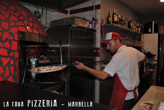 imagen Pizzería La Tana en Marbella