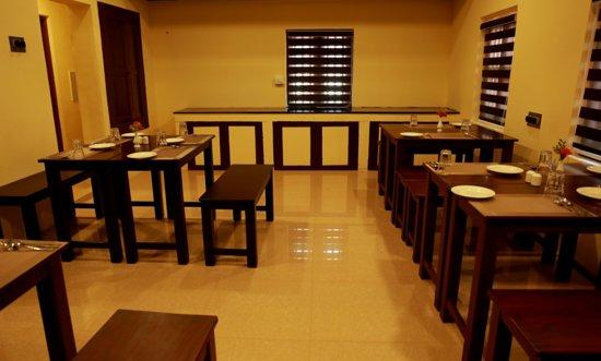 Heritage Room - Relax and enjoy your stay in a space designed to feel just like home.  - Photo de Guruvayur Heritage By Nexstay, Guruvayur - Tripadvisor