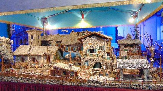 """Presepe """"Casa Parisi"""" - Picture of Mostra Delle Miniature e Dei"""