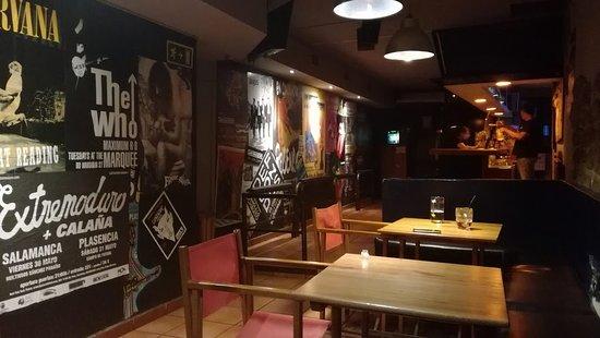 """Cafe - Pub """"La Galeria"""""""