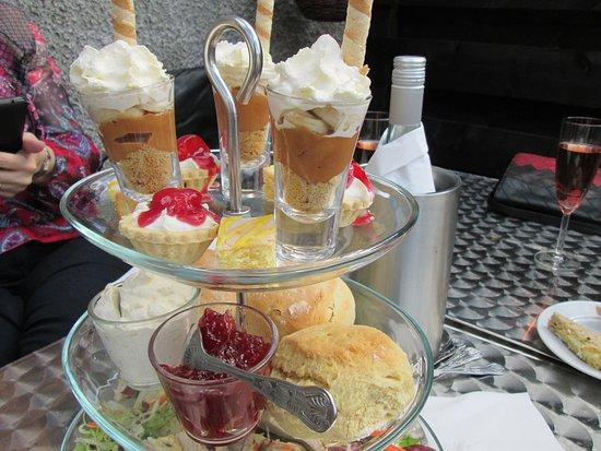 Carnwath, UK: Cream tea