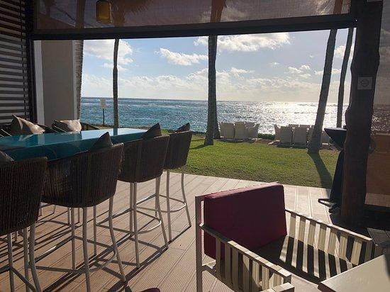 Club Med Cancun: Bar at Jade Space