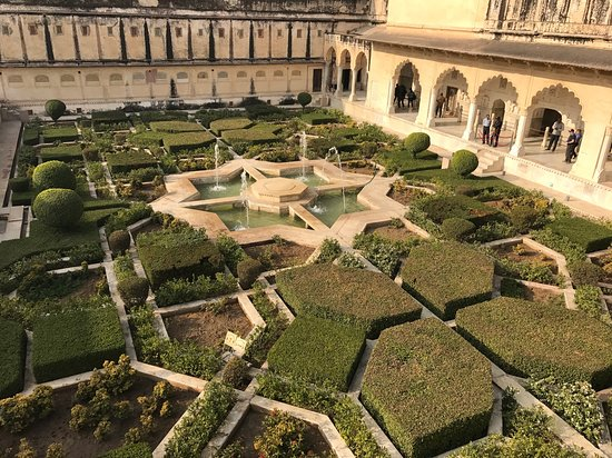 These gardens are incredible.