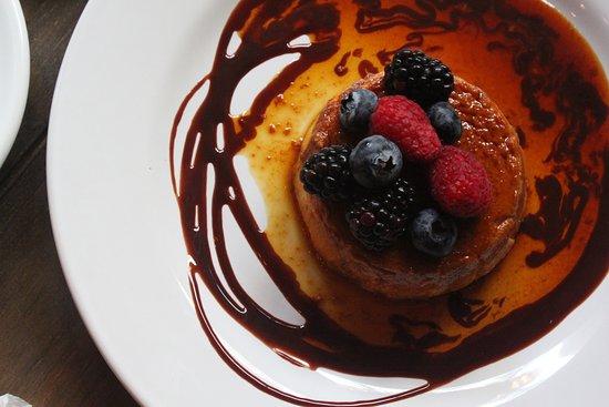 Casa María te ofrece un amplio menú con deliciosos platillos y postres