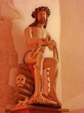 Eglise Saint Vigor: Христос Сожалеющий (дерево, XV век)