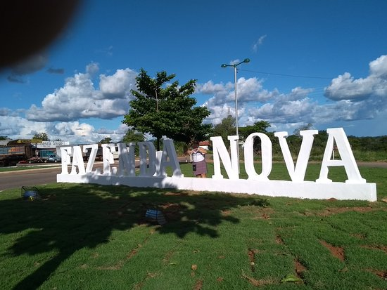 Fazenda Nova: Letreiro da cidade