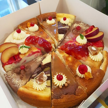 Cheesy Cakes (Cheesecake Shop): Mix and match cheesecake