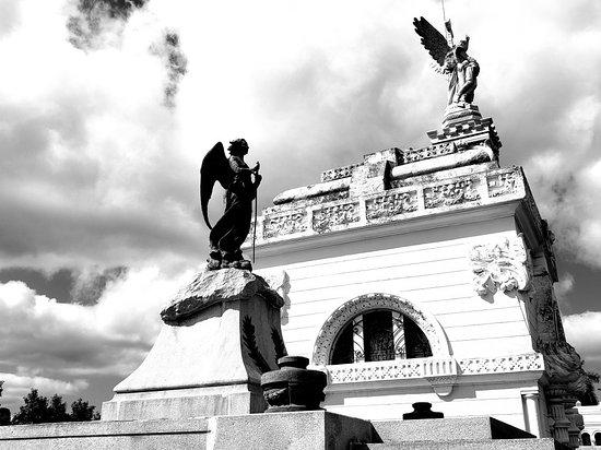 Christopher Columbus Cemetery (Cemetario de Colon)