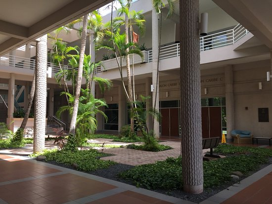 Entrance to the Ponce Hilton is a bit tricky because you can't see the hotel from the street! Follow these pictures and you will get there and find the parking for the disable and a way to bring wheelchairs easily without paying valet! Helpful? Like it!