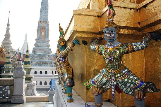 Exploring Bangkok with private tour 2...