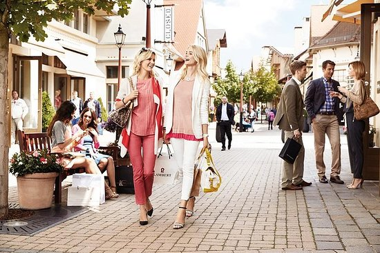 Rome: Private Shopping Tour – 8 hours