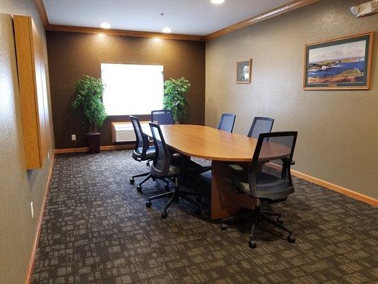 Hurricane, WV: Meeting room