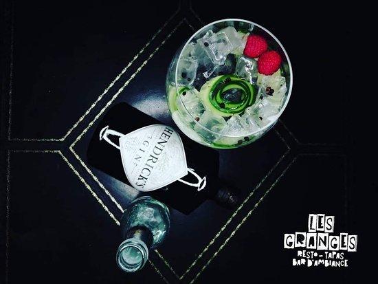 Tilff, Belgium: 🍸 Mercregin 🍸 👉 1 Gin acheté par personne = 1 Bombay sapphire et son accompagnement premium offerts 🍸 🚨 Offre valable de 18H à 20H 🚨