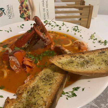 Trattoria della Nonna: Zuppa di pesce - seafood and lobster in a delicous soup