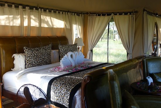 Wellworth Ole Serai Luxury Camp - Turner Springs: Amazingly comfortable bed! In a luxurious tented room!