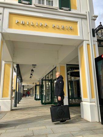20e189c5ecb Fashion Outlet Parndorf  AGGIORNATO 2019 - tutto quello che c è da ...